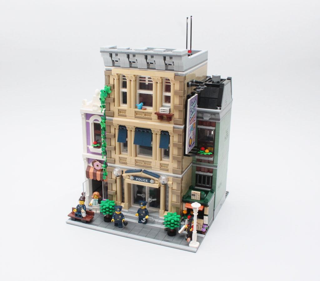 10278 Police Station 1