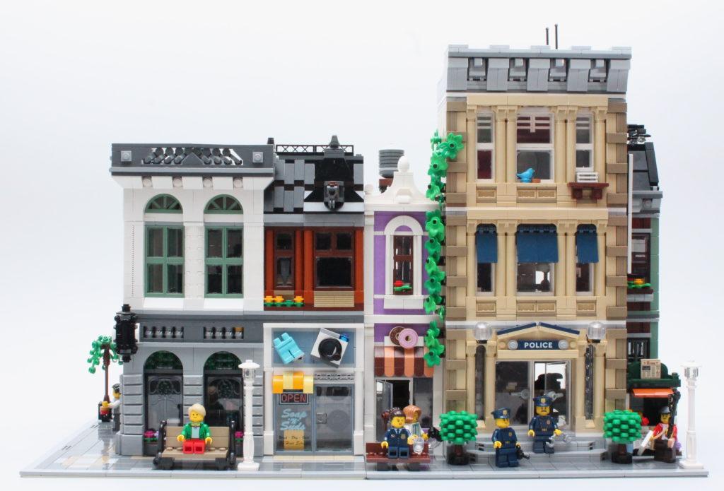 10278 Police Station 10251 Brick Bank 2