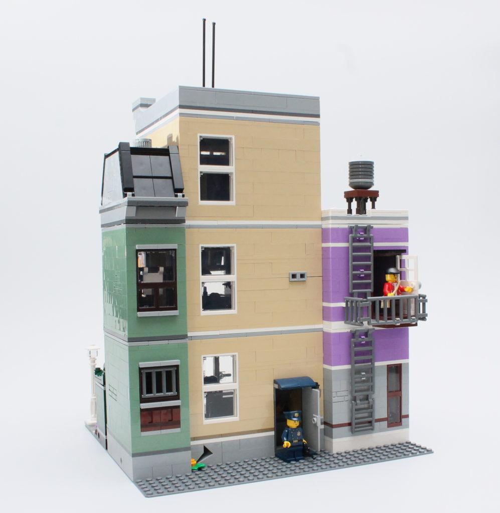 10278 Police Station 11