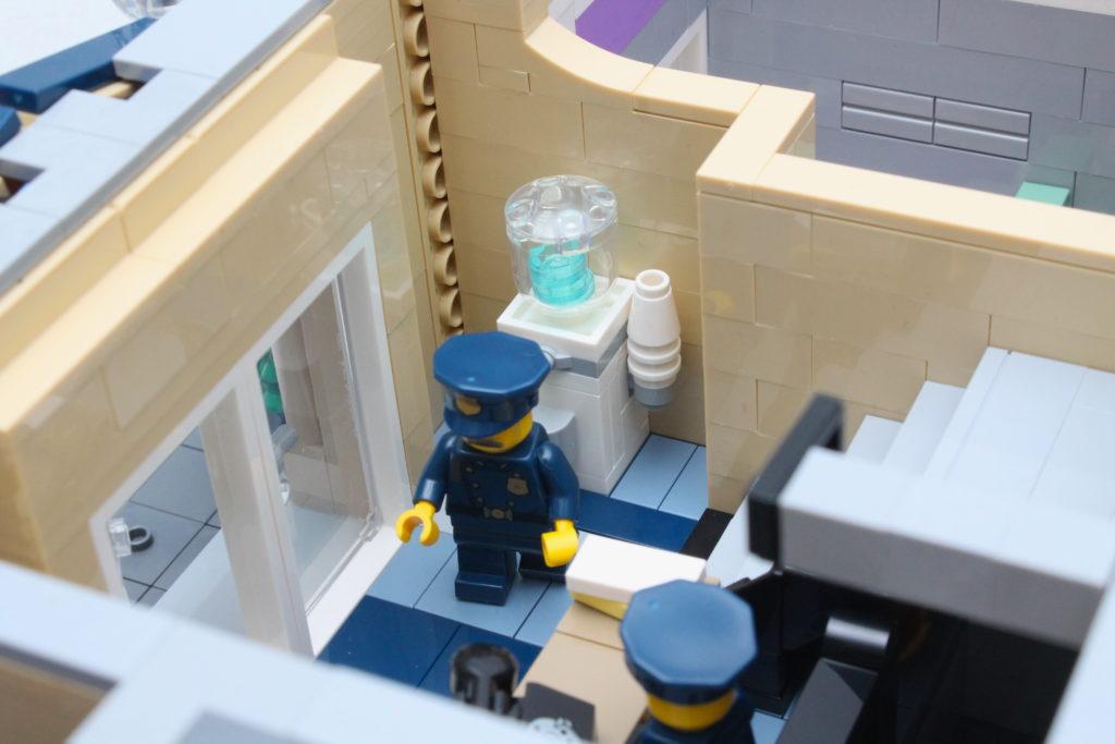 10278 Police Station 28