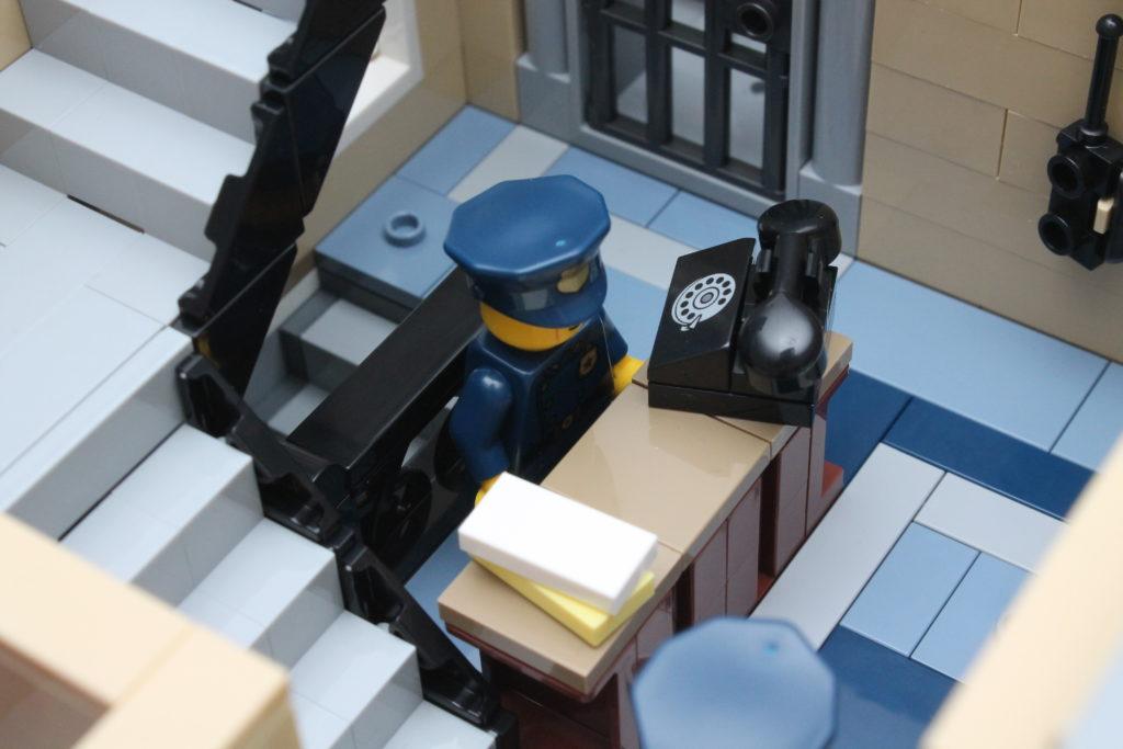 10278 Police Station 30