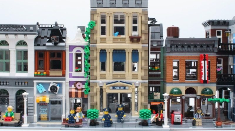 10278 Police Station Modular Building Comparison Featured 800x445