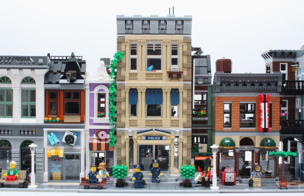 10278 Police Station Modular Building Comparison