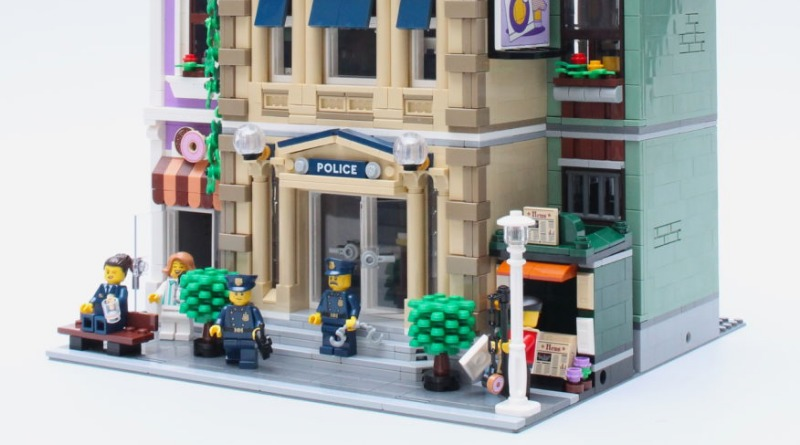 10278 Police Station Featured