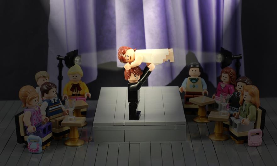 LEGO Dirty Dancing Spotlight Main
