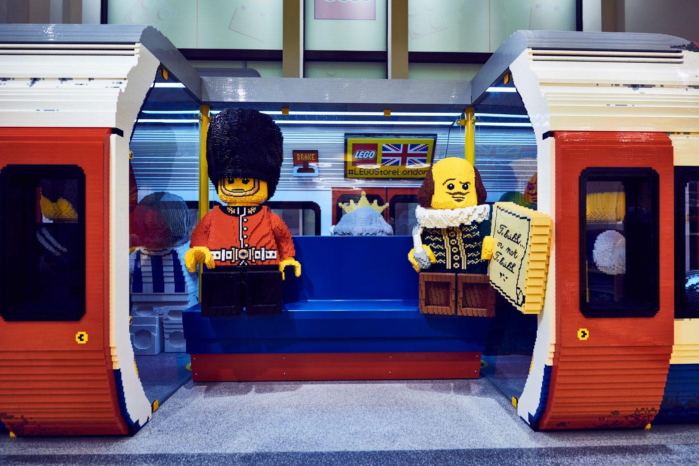 London Underground Carriage LEGO Store London EMBARGO 17.11.16 Copyright LEGO