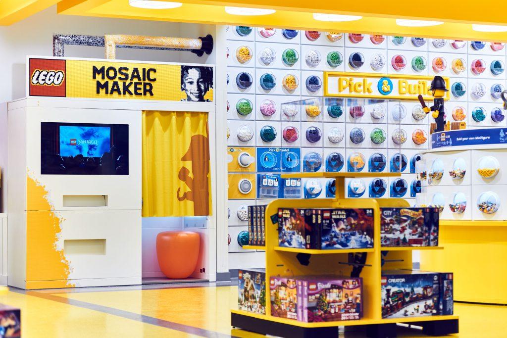 Mosaic Maker 2 LEGO Store London EMBARGO 17.11.16 Copyright LEGO 1024x683