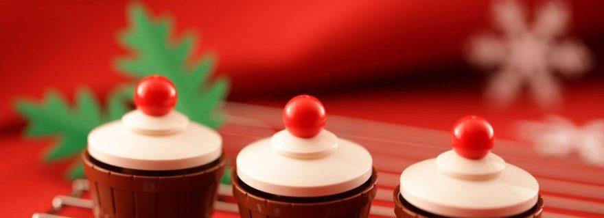 LEGO Xmas cupcake e1482413159409