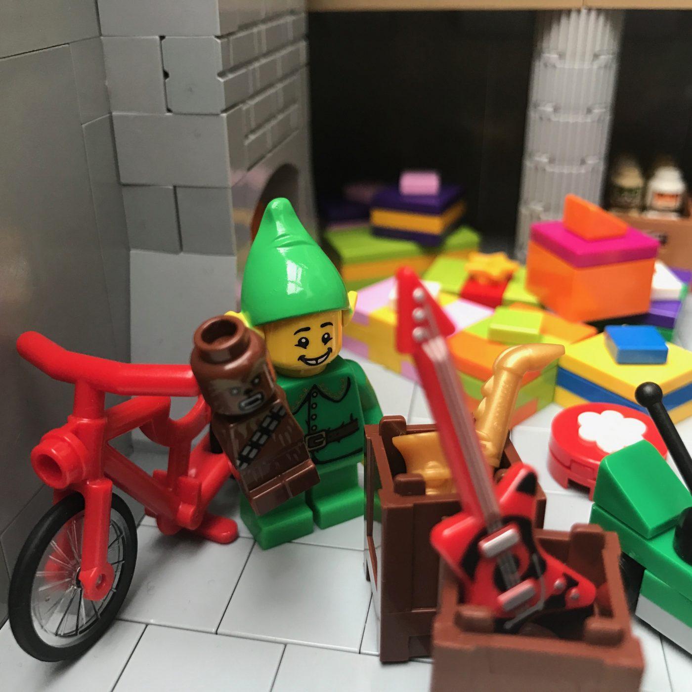 Santas Workshop Happy Elf