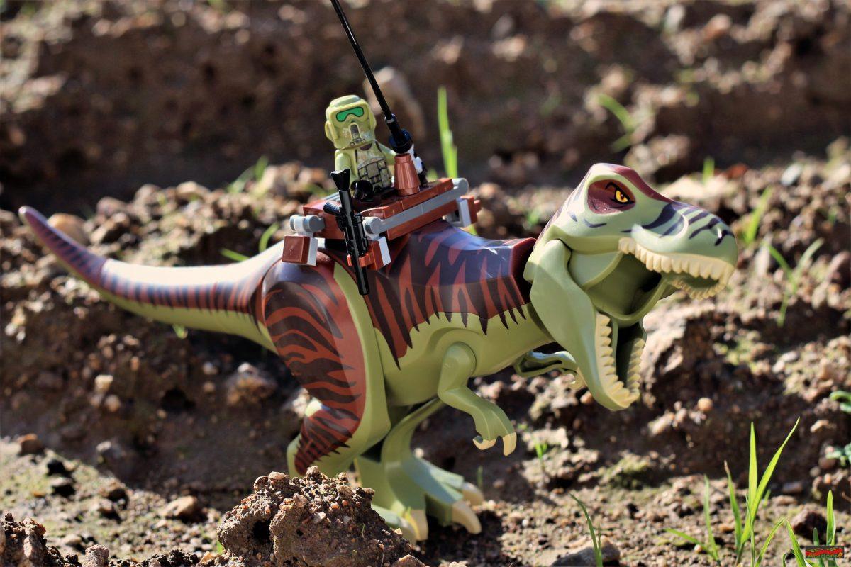 Brick Pic Jurassic Trooper