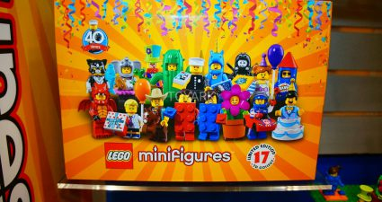 LEGO_Collectible_Minifigures_Series_17