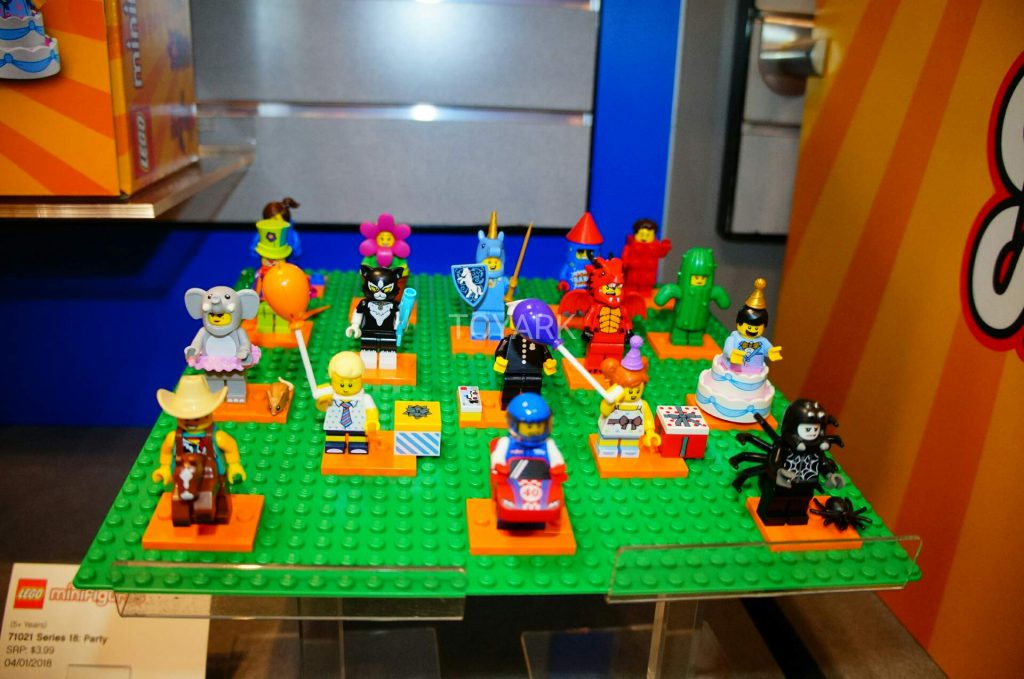 LEGO Collectible Minifigures Series 17 Loose 1024x679