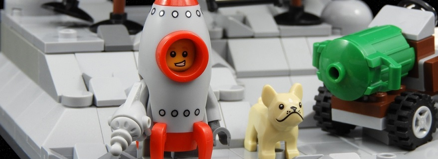 LEGO_Ideas_First_Boy_on_the_Moon_featured