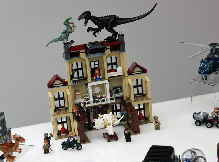 LEGO Jurassic World 75930 Indoraptor Rampage At Lockwood Estate 1