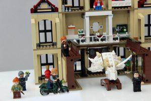 LEGO Jurassic World 75930 Indoraptor Rampage At Lockwood Estate 2 300x200