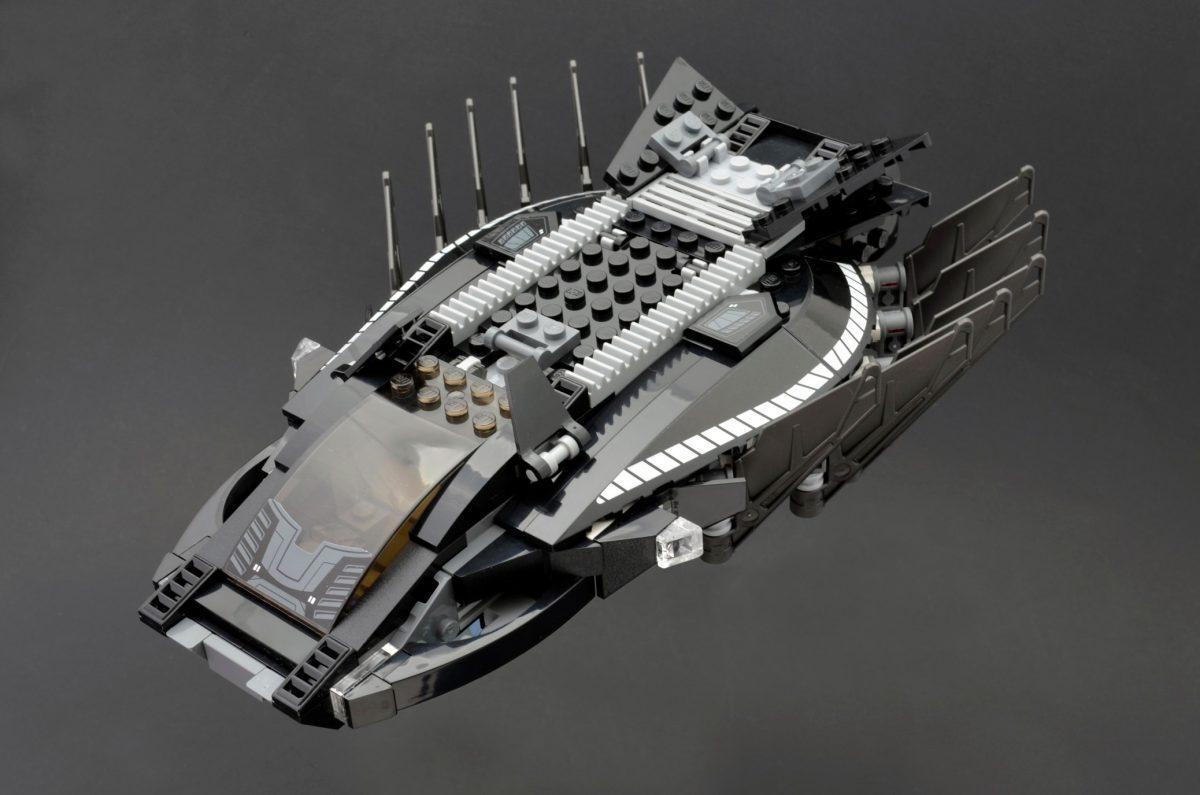 LEGO Marvel Super Heroes 76100 Royal Talon Fighter Attack 1