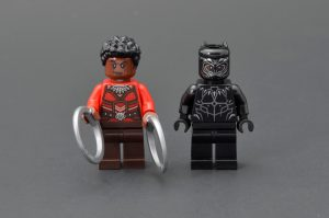 LEGO Marvel Super Heroes 76100 Royal Talon Fighter Attack 6 300x199