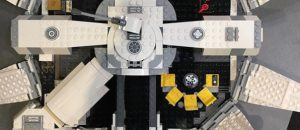 LEGO_Star_Wars_Solo_75212_Kessel_Run_Millennium_Falcon_4