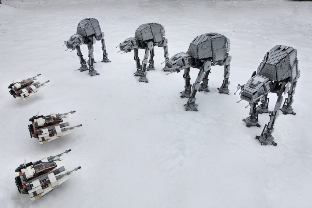 Brick_Pic_AT_AT_on_Hoth