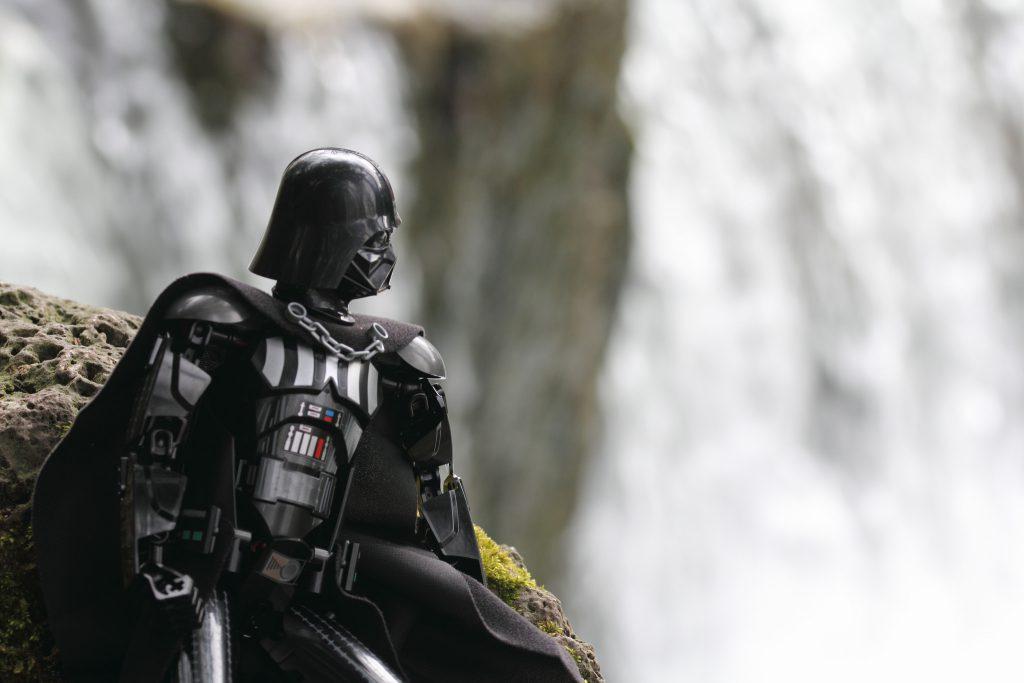 Brick_Pic_Darth_Vader_contemplating