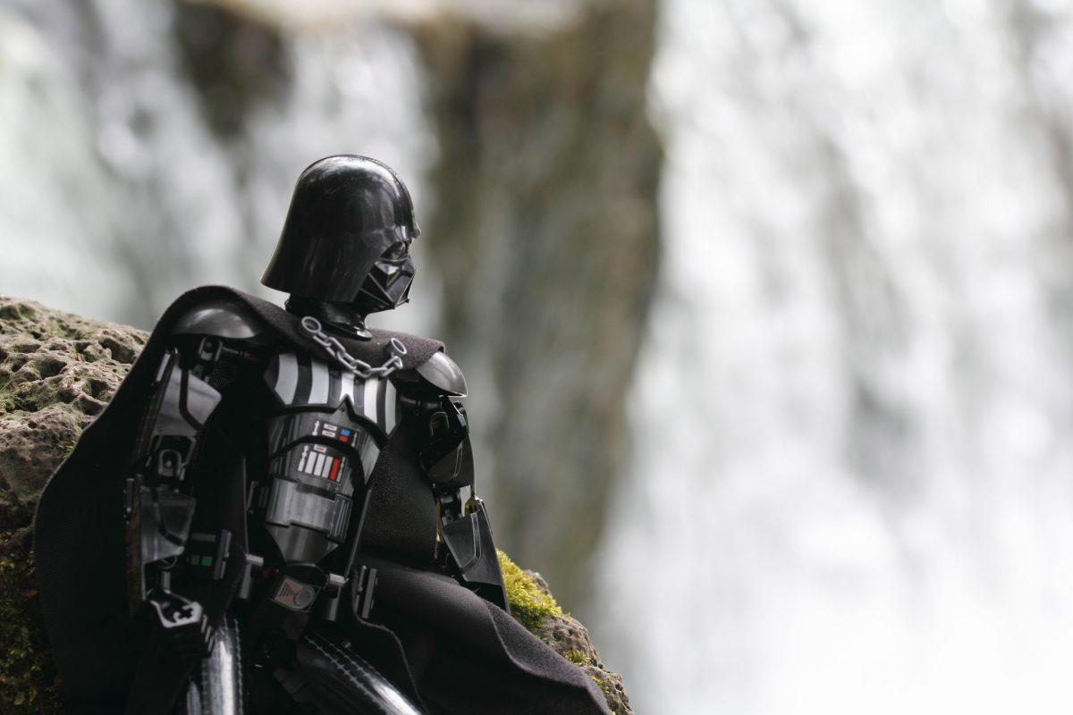 Brick Pic Darth Vader Contemplating