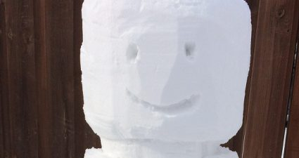 Brick_Pic_LEGO_Snowman_featured