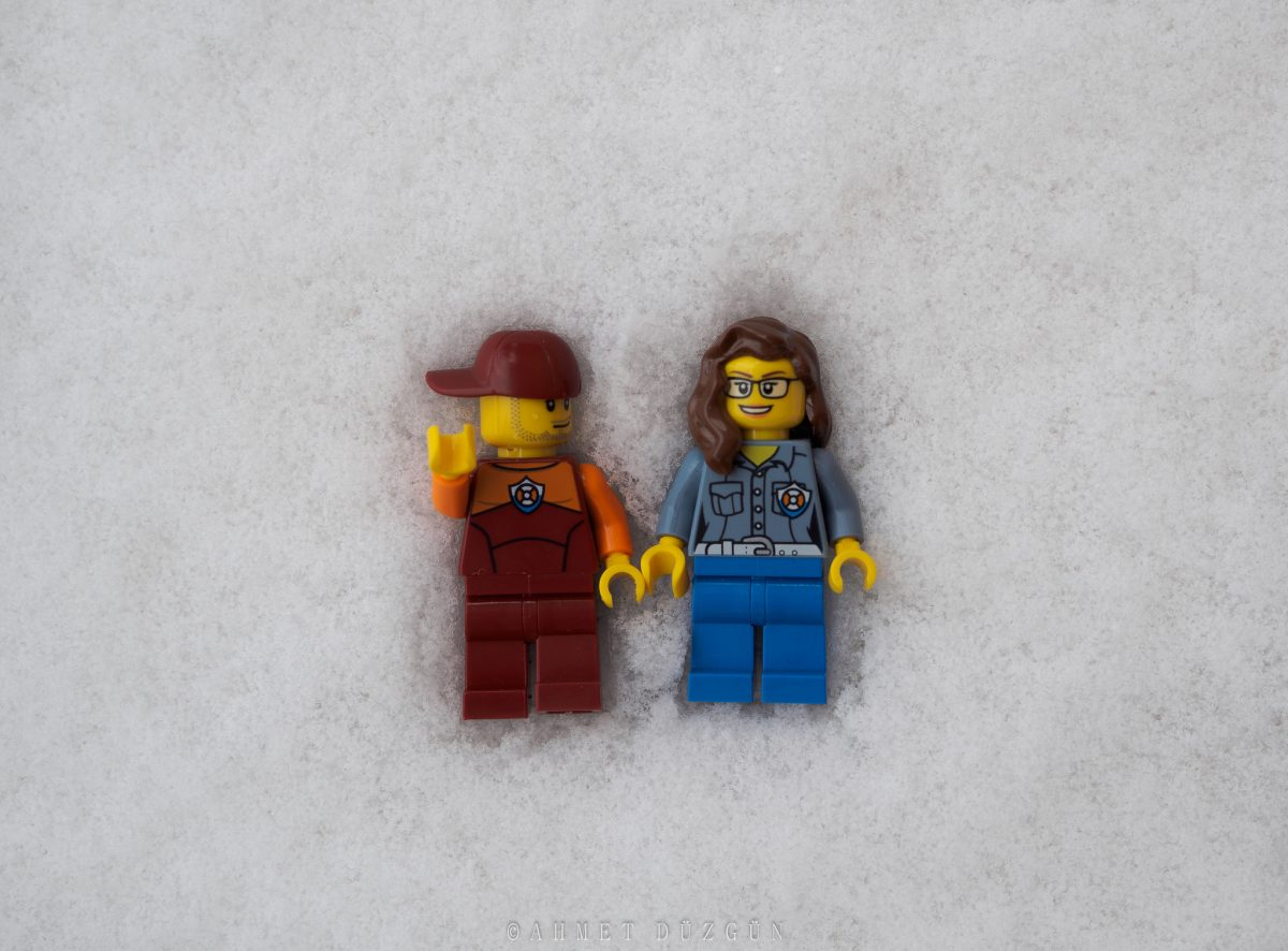 Brick Pic LEGO snow angels