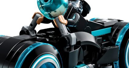 LEGO_Ideas_21314_TRON_Legacy_featured