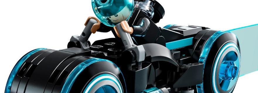 LEGO Ideas 21314 TRON Legacy Featured