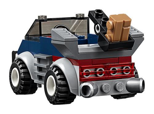 LEGO Juniors Incredibles 2 Underminers Bank Heist 4