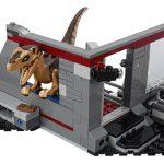 LEGO_Jurassic_Park_75932_Velociraptor_Chase_2