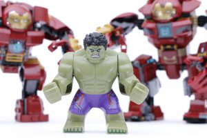 LEGO_Marvel_Super_Heroes_76104_The_Hulkbuster_Smash-Up_76031_The_Hulk_Buster_Smash_comparison_gallery17