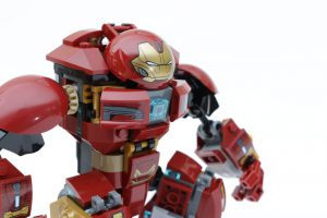 LEGO_Marvel_Super_Heroes_76104_The_Hulkbuster_Smash-Up_review_gallery1