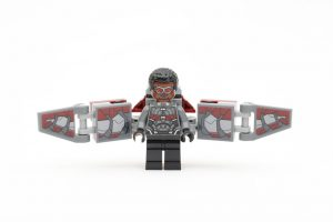 LEGO_Marvel_Super_Heroes_76104_The_Hulkbuster_Smash-Up_review_gallery13