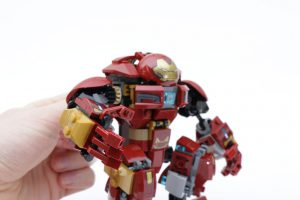 LEGO_Marvel_Super_Heroes_76104_The_Hulkbuster_Smash-Up_review_gallery19