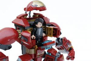 LEGO_Marvel_Super_Heroes_76104_The_Hulkbuster_Smash-Up_review_gallery2