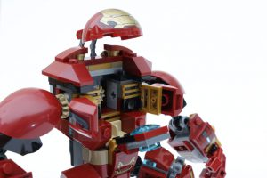LEGO_Marvel_Super_Heroes_76104_The_Hulkbuster_Smash-Up_review_gallery3