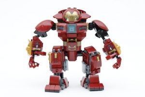 LEGO_Marvel_Super_Heroes_76104_The_Hulkbuster_Smash-Up_review_gallery5