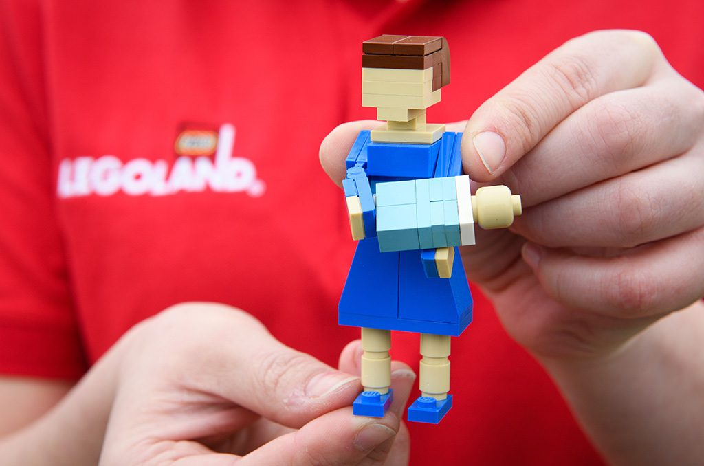 Editorial Handout - FREE TO USE To celebrate the much-anticipated arrival of the new Royal, the LEGOLAND Windsor Resort has welcomed the new Royal baby to its world famous Miniland attraction. The 3cm tall LEGO Prince is joined by LEGO recreations of The Duke and Duchess of Cambridge, alongside his new big brother and sister, Prince George and Princess Charlotte.