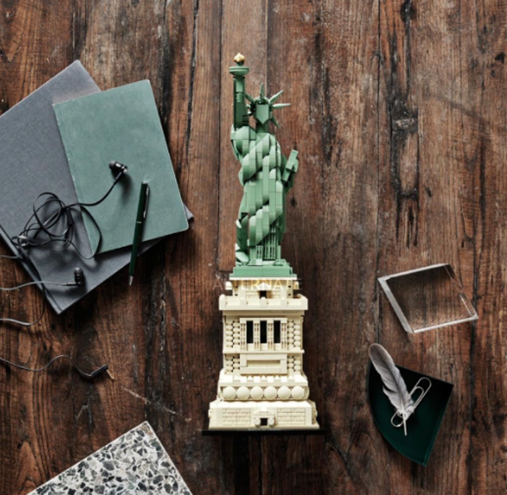 LEGO Architecture 21042 Statue Of Liberty 6