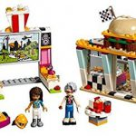 LEGO_Friends_41349_Drifting_Diner_3