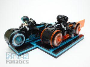 LEGO Ideas 21314 TRON Legacy 29 300x225