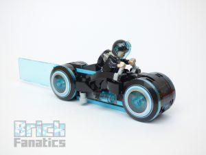 LEGO Ideas 21314 TRON Legacy 9 300x225