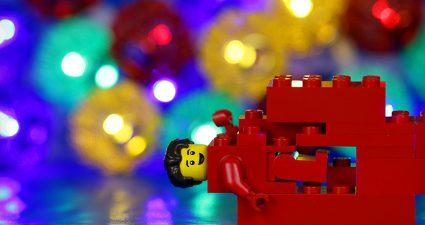 Brick_Pic_Red_Brick_Minifigure