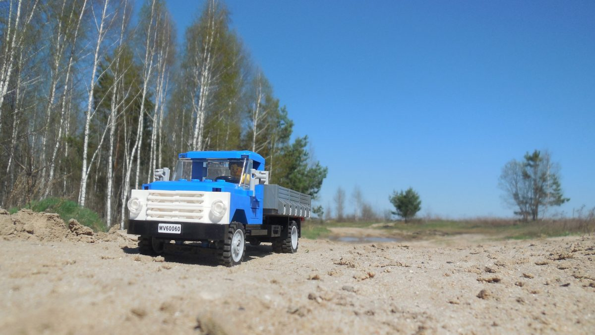 Brick Pic Truck