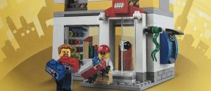 LEGO_40305_LEGO_Brand_Store_featured
