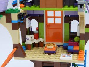 LEGO 41335 Friends Treehouse 7 300x225