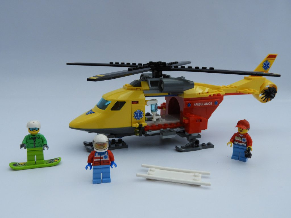 LEGO_City_60179_Ambulance_Helicopter (7)