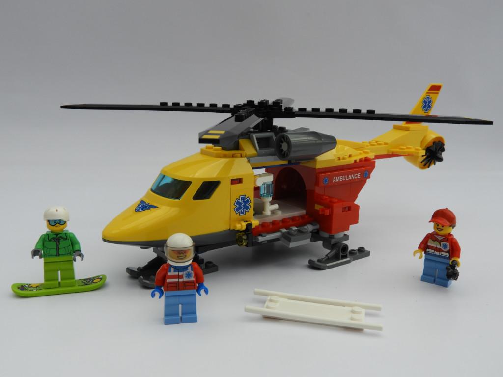 LEGO City 60179 Ambulance Helicopter 8