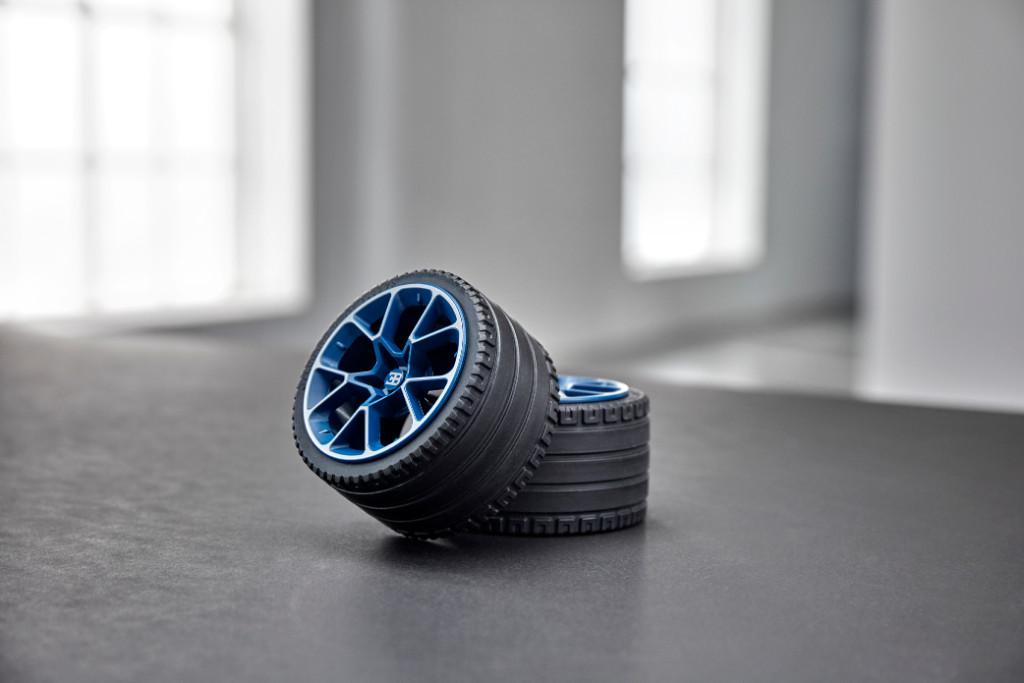 42083 Technic 2HY18 Building Wheels